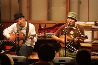20101023 滝本晃司と知久寿暁奈良ライブ.jpg